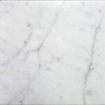Weißgrauer heller Marmorstein